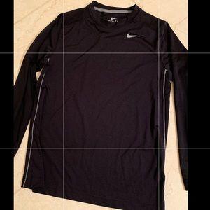 Nike Boys Dri-Fit long sleeve shirt, medium.